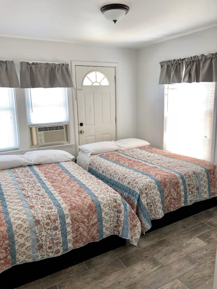 2 bedroom 1 bath free wifi 23-1