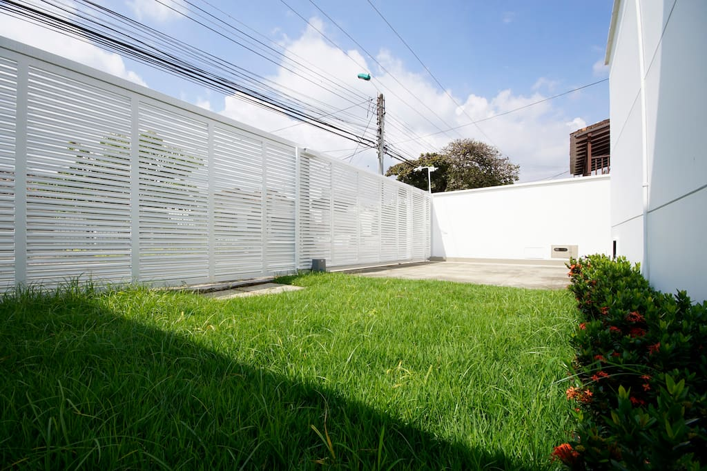 Ilana houses for rent in cali valle del cauca colombia for Casa en ciudad jardin cali