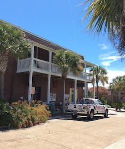 "Slice of Apalachicola Suites, ""Mill Pond"" - Apalachicola - Apartmen"