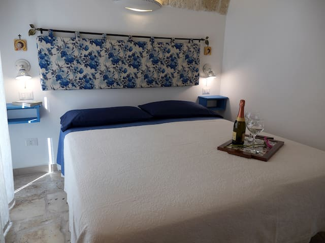 Seafront Apartment in Polignano for 2 people