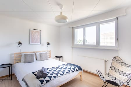 ★Spacious 3BR Family Friendly Parking Near EHL ★