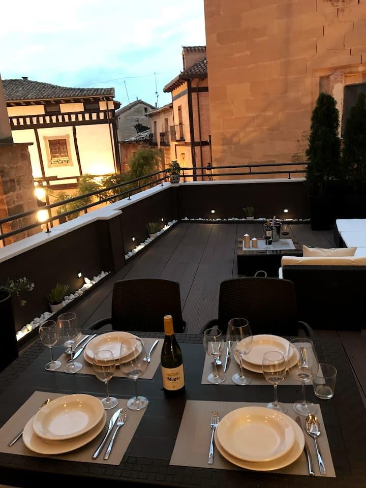 Edificio privado con  terraza