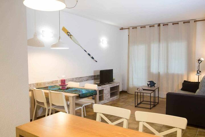 Apartment near the beach and with parking included