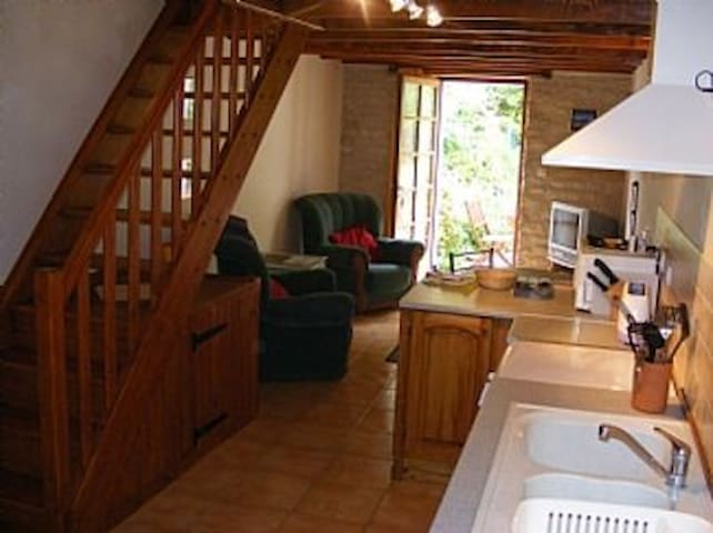 Beautiful 1 Bedroom Gite Rural France
