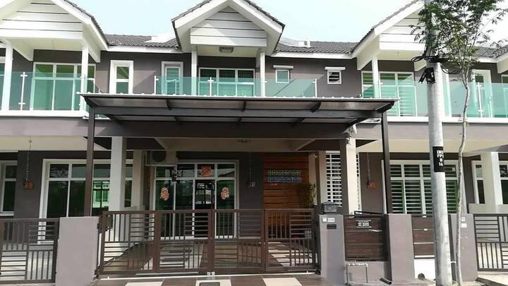Unice MBI Desaku Homestay