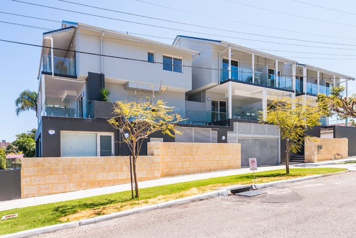 Alfonso short term rental - North Perth