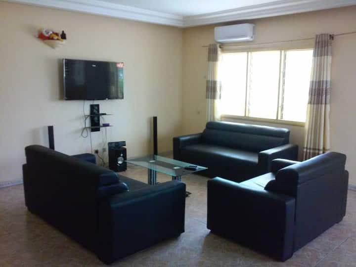 Maison de vacances à Lomé, dekon 3 chambres salon