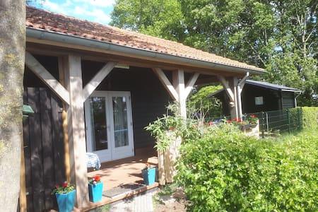 Knusse B&B met veranda en sauna