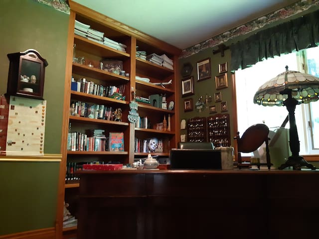Ivybear's paw house