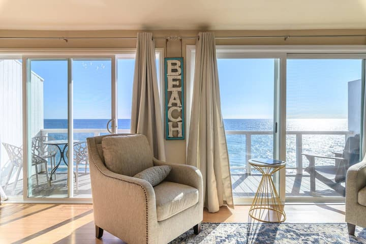 Beachfront Malibu Luxury Condo | 4 ppl