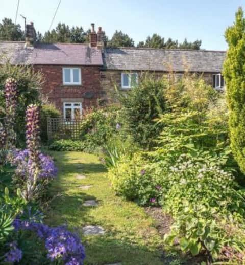 Middlebrick Cottage, Dog Friendly