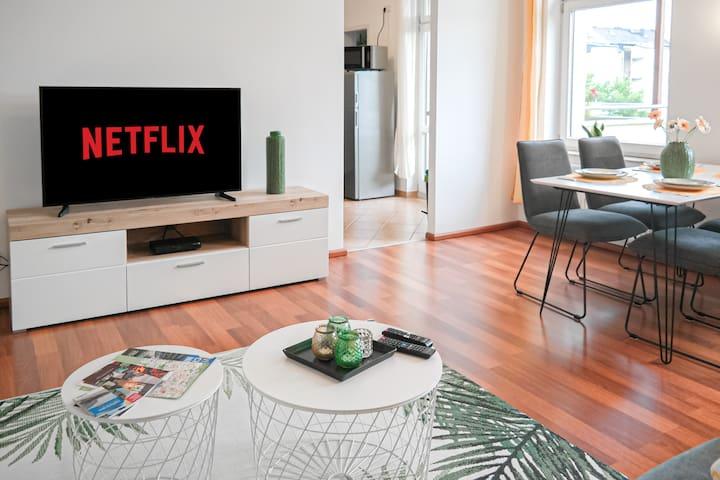 Kabelfernsehen und kostenloser Netflix-Zugang