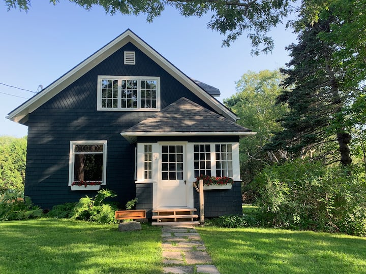 Delightful Bungalow in NEH - Acadia National Park