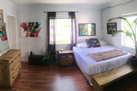 Tropical Beach Studio - Miami Beach - Apartment