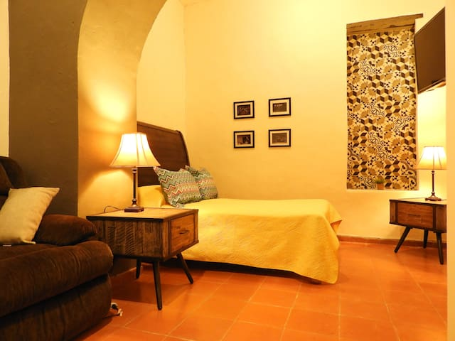 Sancho Panza's Beautiful Suite in the town's Heart