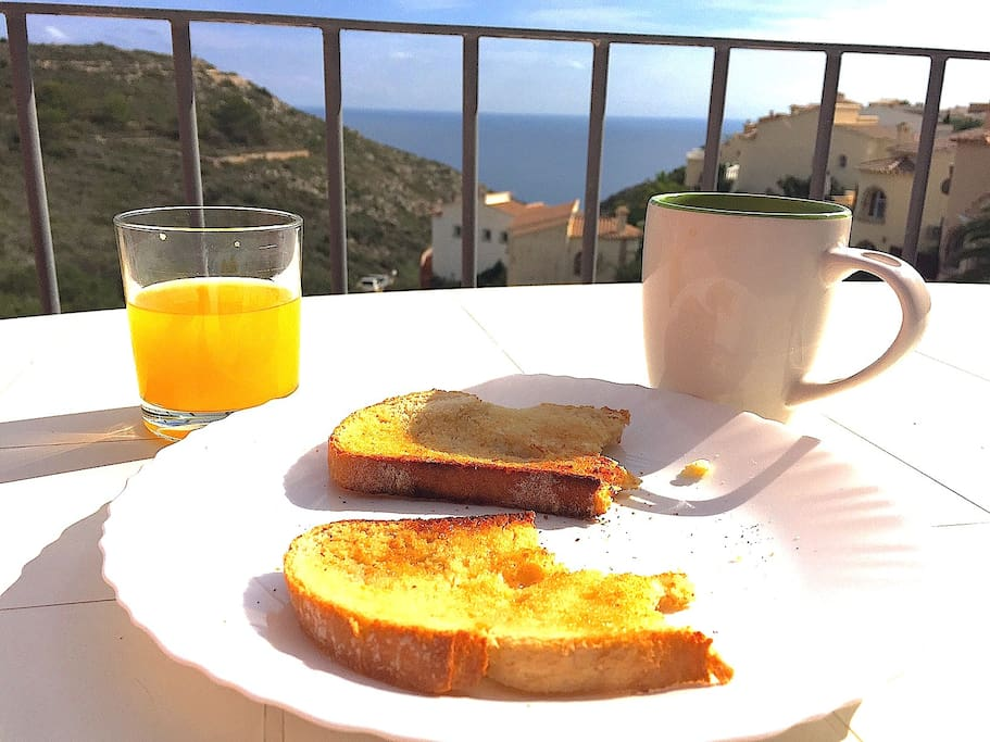 Breakfast on the balcony!