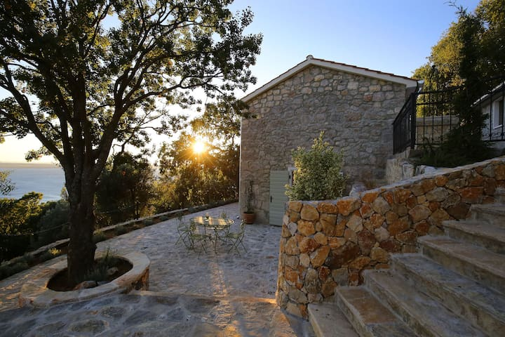 Traditional stone Villa with pool and sea view - Tribanj - Villa