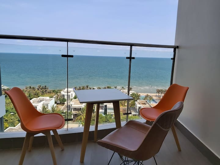 Life is Beautiful - Seaview Apartment of 90 m2