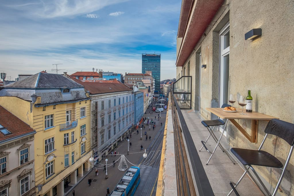 Enjoy a glass of wine on your 10m balcony steps away from the main square Ban Jelacic.  Southern exposure to the sun ALL day and perfect view of the city and the square to your right.  Apartment is 115m2 in total.