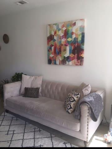 Relaxing, Modern 1 bedroom near DC