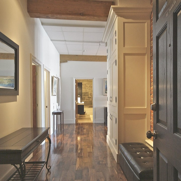RIVERFRONT 3 Bedroom Condo in Heart of Old Quebec