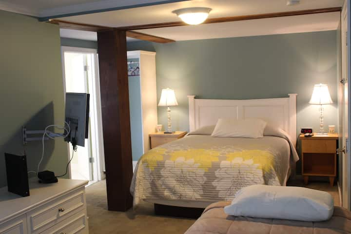 Catskill Seasons Inn - Room 7 and 8