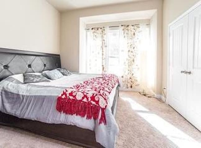 Junior Suite in large new home in new subdivision