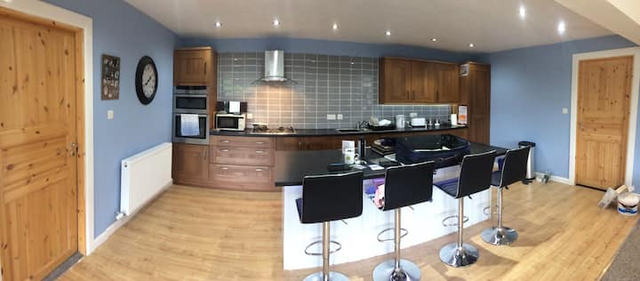 Modern det house 5 mins from Bowness on Windermere