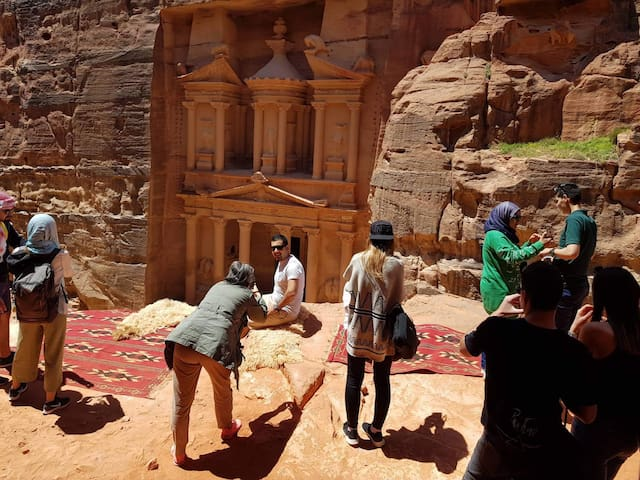 Petra Bedouin experience - guest house and tours