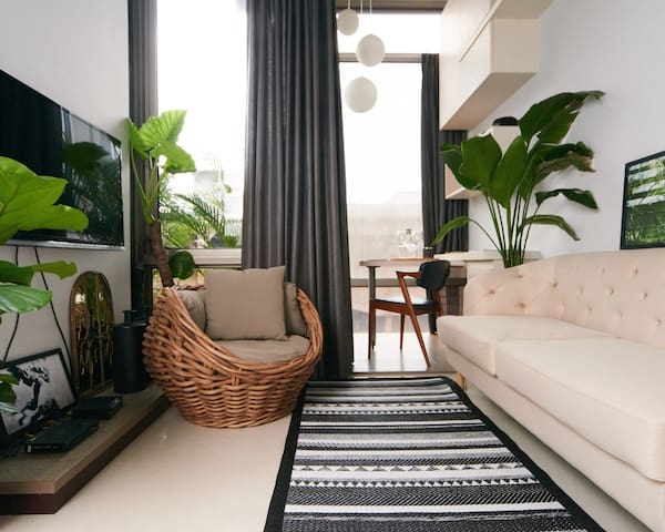 Stay Growing-Comfy Sunny luxury Apt 2mins to MRT