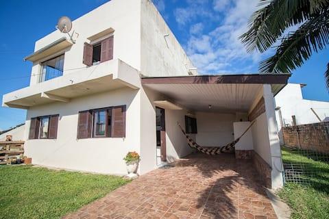 Casa espaçosa e aconchegante em Torres-RS!