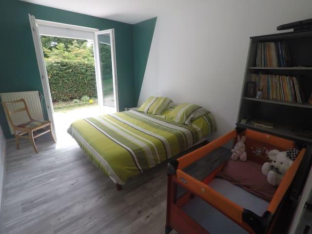 2 chambres dans maison à la campagne