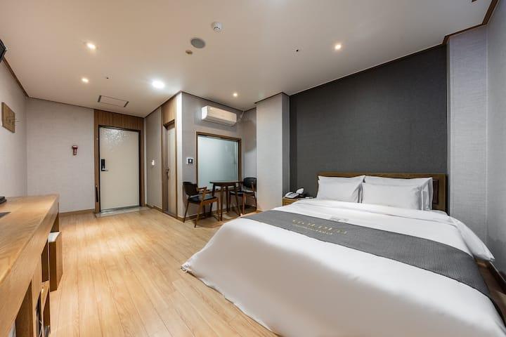 관광 및 출장에 최적화된 비지니스호텔(스탠다드룸+공기청정기)