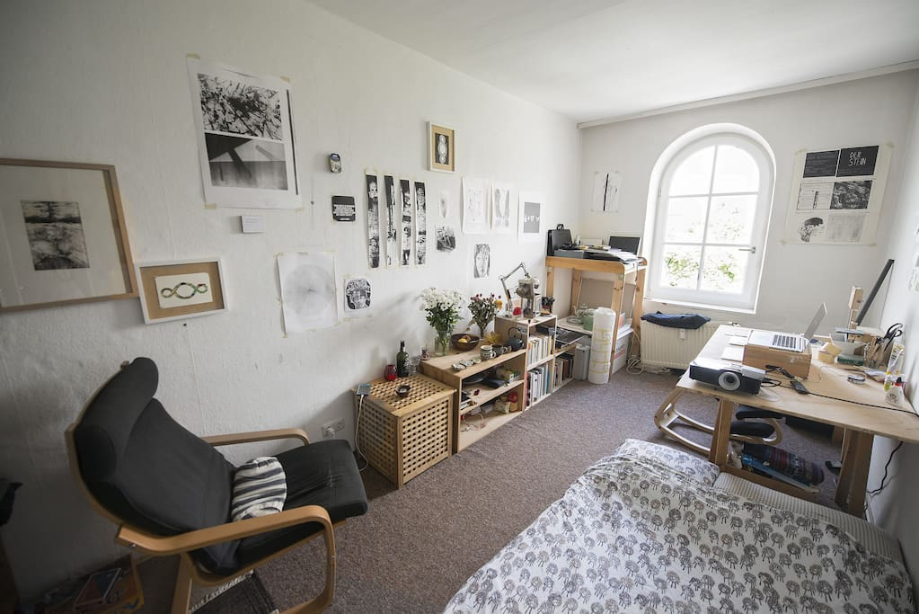 Atelier/Room. Sunny and cozy.