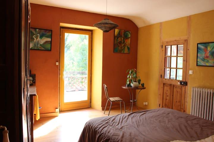 Gde chambre avec lavabo/terrasse +SB indépendante