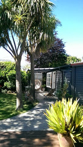 Sunny Garden Studio, Mt Eden - Окленд
