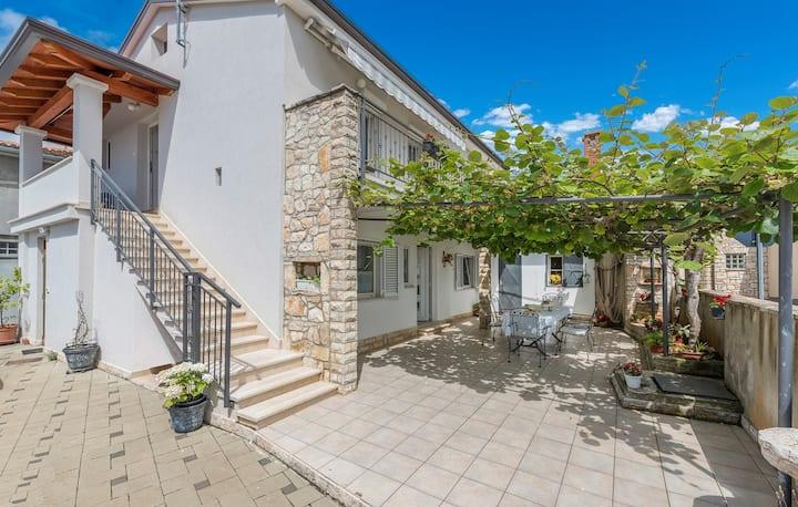 Apartment Complex Blazevic / Two-Bedroom Apartment Blazevic I