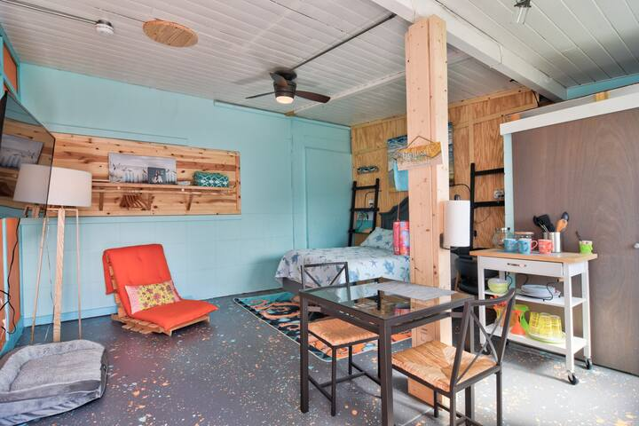 Sandpiper studio couples retreat, Bellaire beach🏄