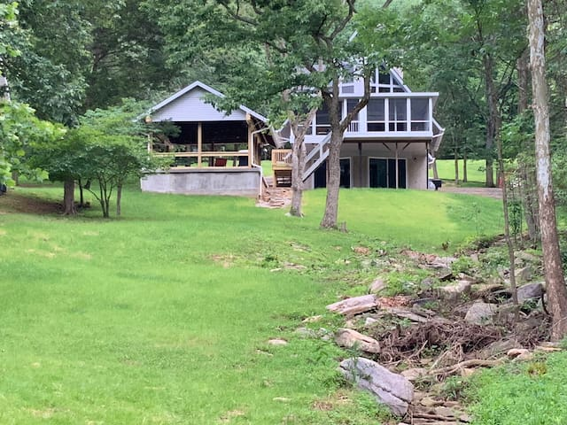 Newly Renovated Lake Getaway - Magnificent Views