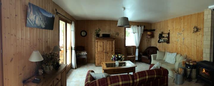 """Chambre """"les mouflons"""" dans maison du Queyras"""