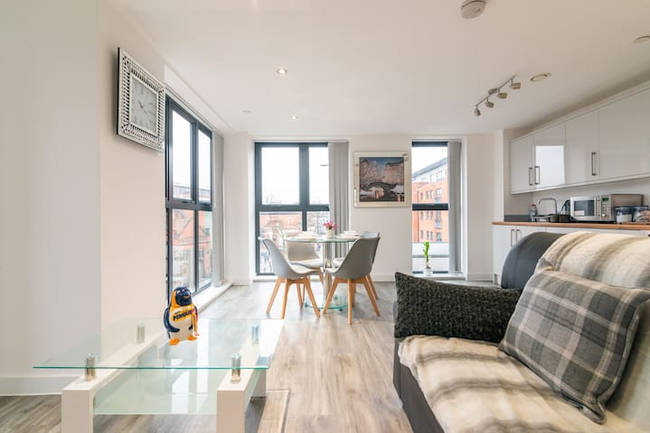 Stunning En-suites Manchester apartment sleeps 6
