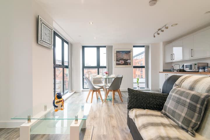 Stunning En-suites Manchester apartment sleeps 6