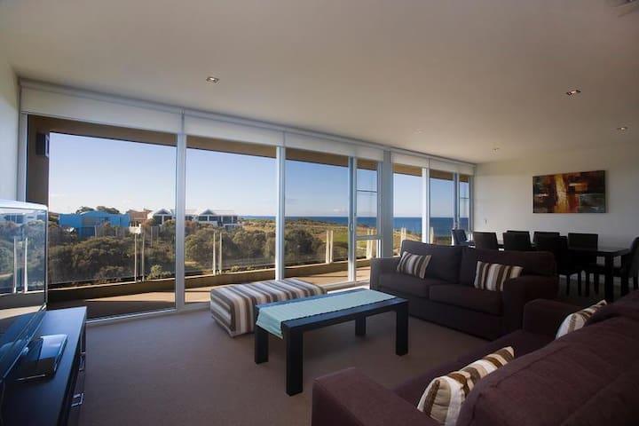 Ocean view 2 Bedroom Apart.Torquay
