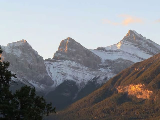 SILVER CREEK: Your vacation with a VIEW! - Canmore - Apartmen
