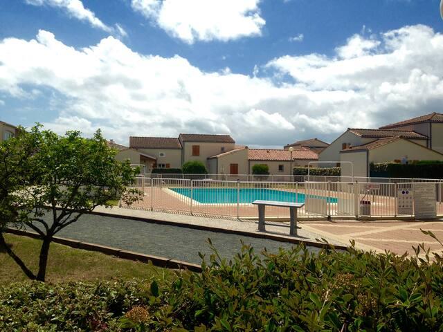 Maisonnette 4/6 pers dans résidence avec piscine