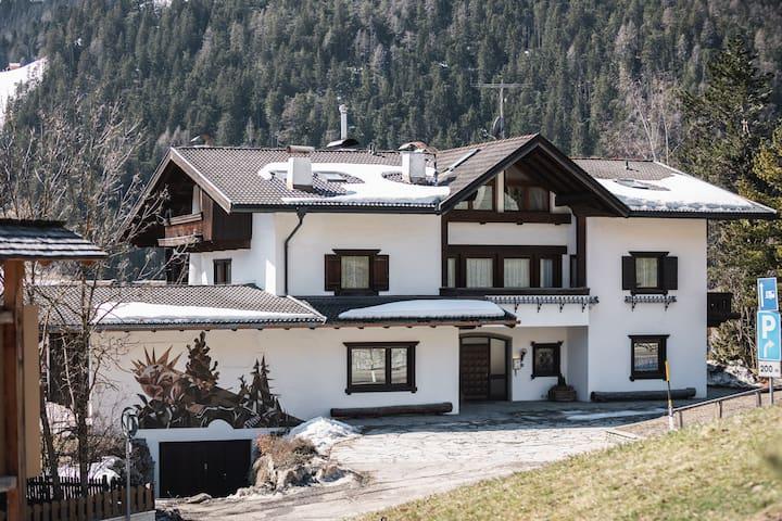 Kronplatz Lodge Dolomites Ski IN / Ski OUT