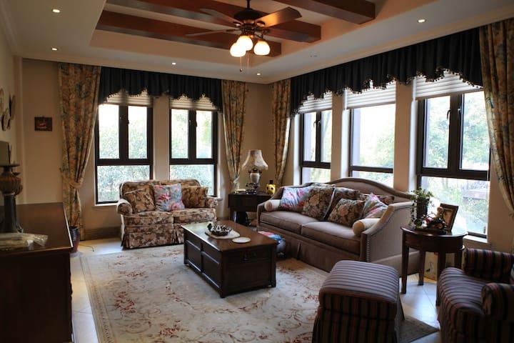 """成都牧马山片区最高端别墅小区,我们的家""""香榭丽舍""""温馨友好。 - Chengdu - Villa"""