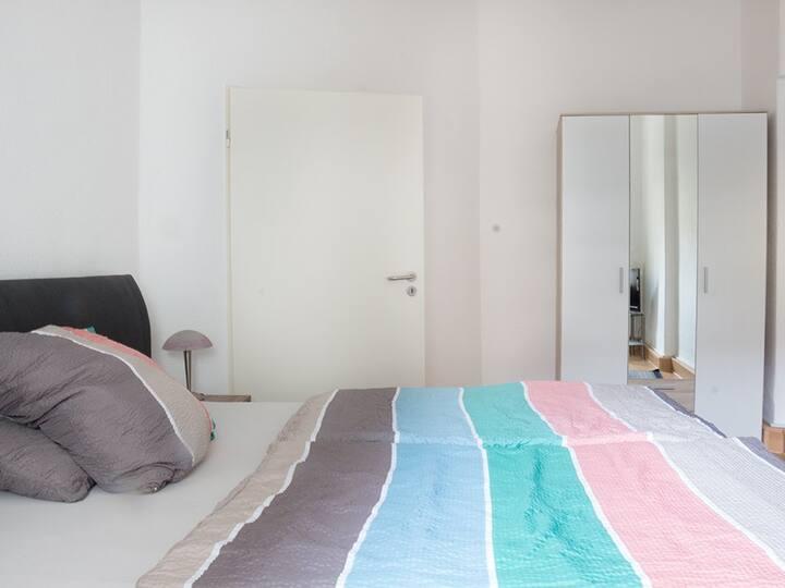 Ferienwohnung-Standard-Eigenes Badezimmer-OM32EGL