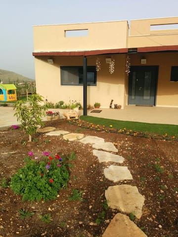 Perfect vacation home for 8 guests - Sde Eliezer - Casa