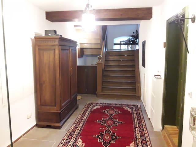 Burgzimmer 2. EG Ein  Platz im Grünen.